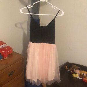 Dresses & Skirts - Dress medium